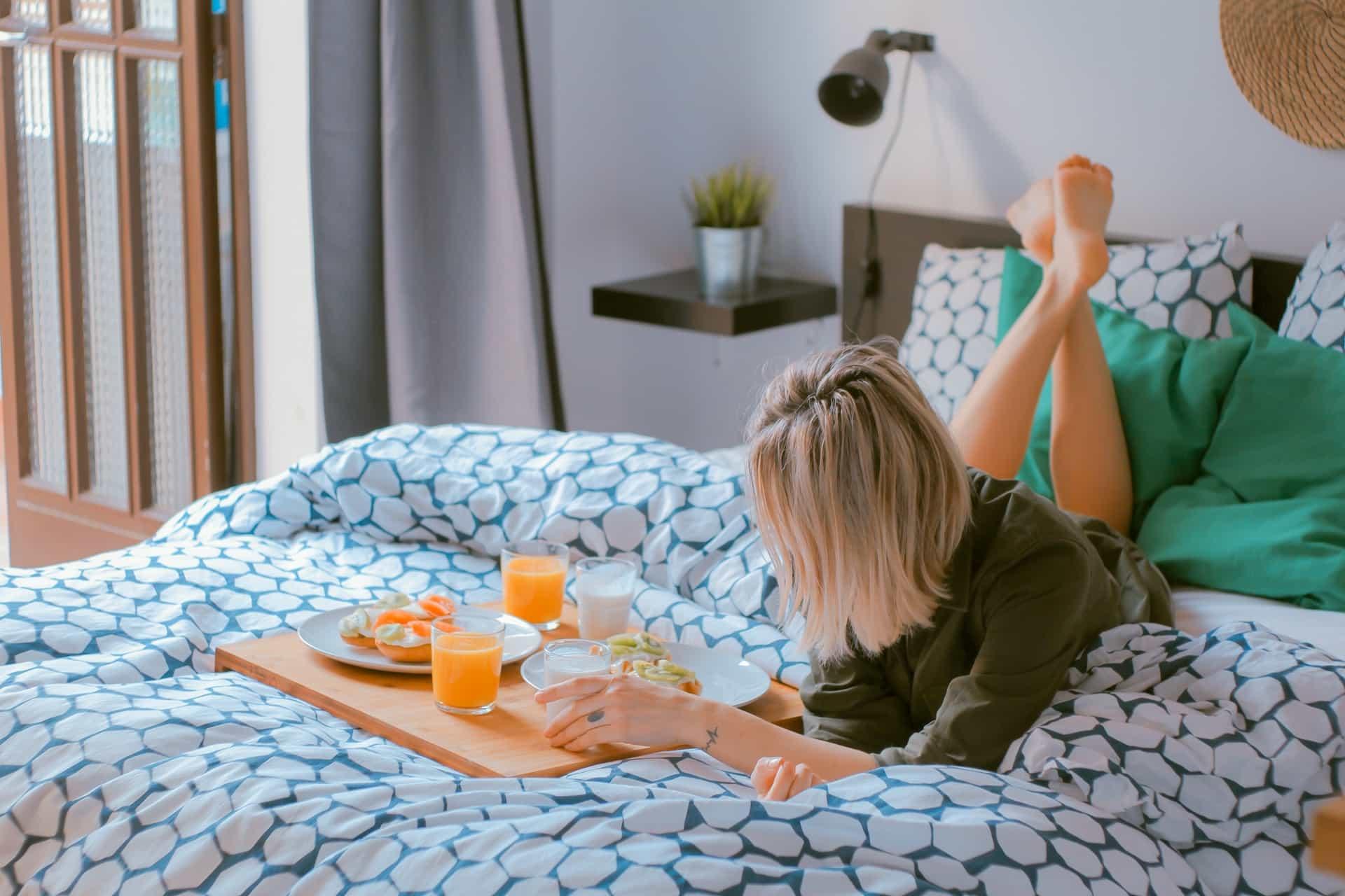 Deco Chambre A Coucher des astuces déco pour se sentir bien dans sa chambre | huisclos